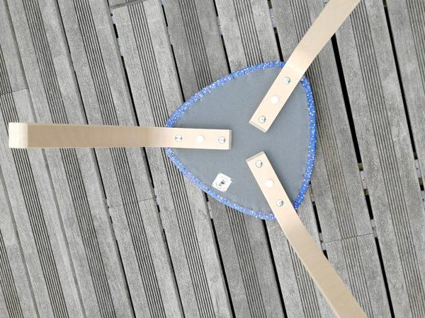 Tabouret tripode paillettes bleues jaconas