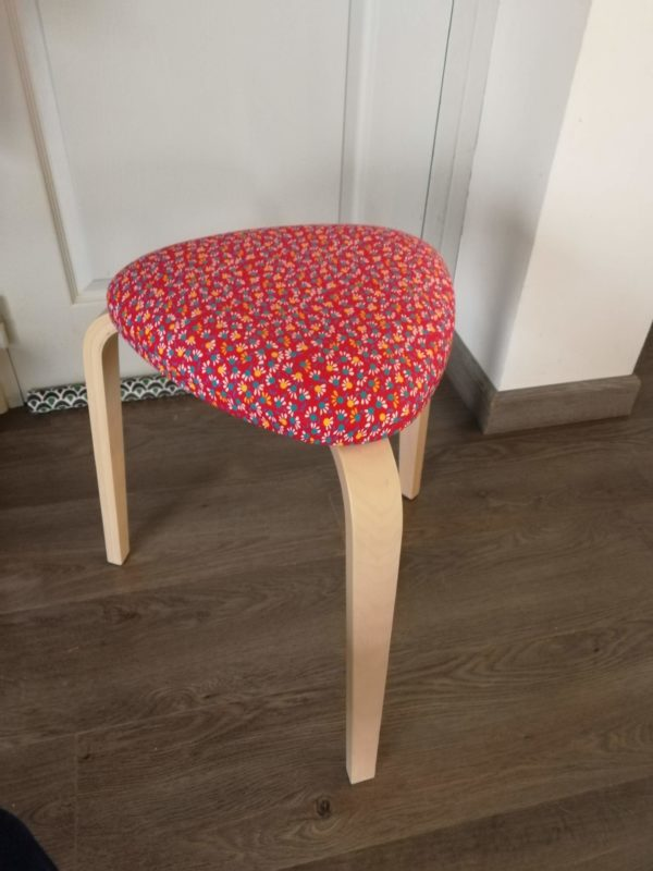 HOLLY tabouret tripode